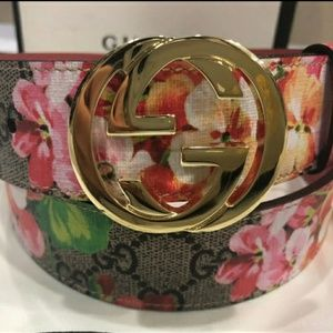 😍Authentic Gucci Belt Pink Flower Blossom Print